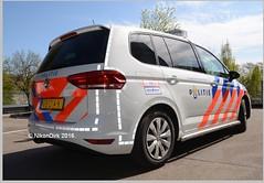 Dutch Police VW Touran 4. (NikonDirk) Tags: camera holland bus netherlands dutch vw golf volkswagen foto cops 4 nederland police zeeland bumper cop speaker type t5 brabant mwb gp transporter politie touran anpr hulpverlening middenenwestbrabant nikondirk jb014k
