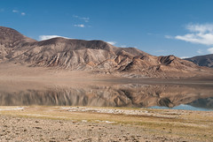 Rangkul Lake in the morning (Michal Pawelczyk) Tags: trip lake holiday mountains bike bicycle june nikon asia flickr aim centralasia pamir gory wakacje 2015 czerwiec azja d80 pamirhighway gbao azjasrodkowa rangkul azjacentralna rangkullake