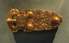 Sutton Hoo Belt Buckle , British Museum (neilalderney123) Tags: london olympus britishmuseum suttonhoo greatbuckle 2015neilhoward