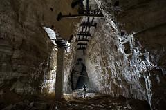 Pilier de consolidation (flallier) Tags: silhouette underground tunnel gypsum quarry pilier carrire souterraine parpaings gypse boisages premiremasse 1remasse