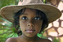 I am not the only one who likes my hat... (carf) Tags: boy brazil hat brasil children community child hummingbird outdoor social identity coexistence carf beijaflor indianajones matheus itanham kolibri convivncia redeculturalbeijaflor chcarabeijaflor communitychildren