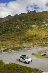 Little French in the Alps (Iceman_Mark) Tags: summer white 3 black alps cup sport four switzerland san noir pass clio renault 200 cylinder pearl phase limited edition rs blanc naturally givre 2010 bernardino passo graubnden nacr 2litre aspirated