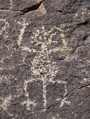 Hohokam Anthropomorphic Figure with Headdress (alitay) Tags: rock figure petroglyph hohokam headdress santacatalinamountains anthropomorph sutherlandrockartdistrict