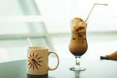 American or Iced Coffee? (Andr Moecke) Tags: coffee islam uae abudhabi arab coffeemug icecoffee muslin colombiano emirati