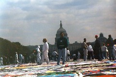 08.AIDSQuilt.WDC.11October1996 (Elvert Barnes) Tags: 1996 nationalmall dc thenamesproject october1996 aids namesprojectaidsmemorialquiltdisplay october1996namesprojectaidsmemorialquiltdisplay aidsquilt 11october1996 friday11october1996namesprojectaidsmemorialquiltdisplaywashingtondc washingtondc