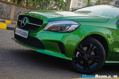2016-Mercedes-A-Class-5
