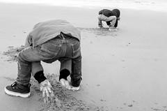 Twin brothers (_Joris Dewe_) Tags: beach kids twins sand brothers surreal fujifilm streetphoto jumeaux knokkeheist x100t jorisdewe