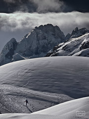 Esquiador/ Skier (Jose Antonio. 62) Tags: winter espaa naturaleza snow mountains nature clouds spain nieve asturias nubes invierno skier montaas picosdeeuropa esquiador