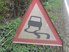 Slippery Road Sign, Derbyshire (eamoncurry123) Tags: road sign traffic trafficsign slippery slipperyroad