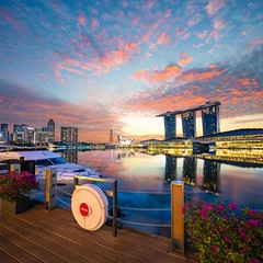 Burning Morning AT Fullerton Bay Hotel (yimING_) Tags: building architecture landscape cityscape mbs jubileebridge abigfave gardensbythebay singaporeflyer marinabaysands canontse17mmf4l canon17mmtse canontse17mmf4ltiltshiftlens canoneos5ds canoneos5dsr verticalpanostitch