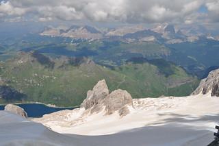 Vue à l'est depuis la Marmolada, Canazei, Val di Fassa, province de Trente, Trentin-Haut Adige, Italie.