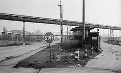 Ruhrgebietstrassen (4) (Maurits van den Toorn) Tags: street industry blackwhite strasse stop coal schwarzweiss industrie ruhrgebiet zeche colliery bottrop straat kohel
