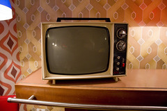(Coral G. Granda) Tags: madrid orange lamp television vintage tv 60s retro 70s 50s lampara naranja malasaa muebles vintageshop lolina vintagecafe lolinavintagecafe lolinavintage