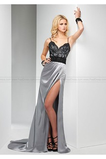 Perfectly Looking Spaghetti Straps Neck Lace Prom Dress