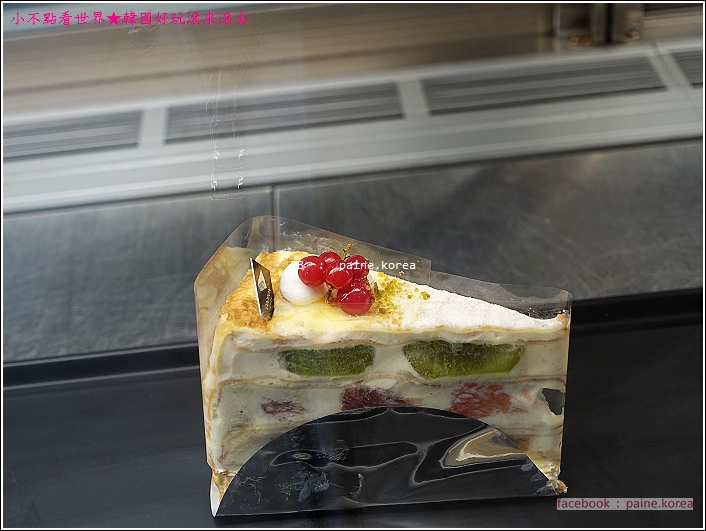 梨大COCOON Cafe 千層蛋糕 (4).JPG