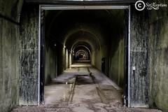Tunnel (sirixception) Tags: light france architecture dark licht memorial war tunnel bunker frankrijk worldwar entry ingang donker oorlog herdenking cotedopale wereldoorlog architektuur bunkerdemimoyecques