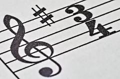 Anglų lietuvių žodynas. Žodis three-quarter reiškia a attr trijų ketvirčių (apie dydį, ilgį ir pan.) lietuviškai.