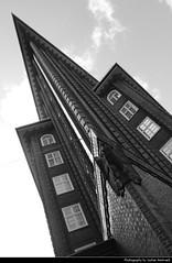 Chilehaus, Hamburg, Germany (JH_1982) Tags: bw white black building brick vertical architecture germany deutschland grey bricks hamburg style landmark historic hamburger expressionism architektur alemania hamburgo allemagne fritz gebude hambourg germania amburgo chilehaus    kontorhaus kontorhausviertel hger  backsteinexpressionismus