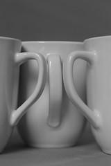 Only Cups #4 (honiigsonne) Tags: white black tree cup tasse indoor trio dishes pott schwarz drei tableware keramik geschirr weis minimalistisch
