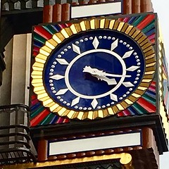 The clock. Not the big one... (Romuloc) Tags: londoncity walkingaround londontown uploaded:by=flickstagram instagram:venuename=london2cunitedkingdom instagram:venue=213385402 instagram:photo=1095109316163053176661960