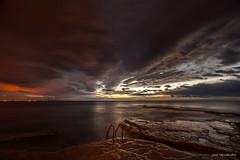 Guerra de luces (Jose HL) Tags: sea españa costa seascape luz valencia mar cabo mediterraneo paisaje alicante amanecer rocas torrevieja cervera josehernandez