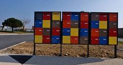 La Rochelle, Chef de Baie, boites aux lettres (thierry llansades) Tags: colors couleurs larochelle lettres boite charentesmaritime charentes charentemaritime poitoucharentes boitesauxlettres chefdebaie