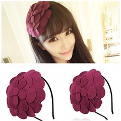 ที่คาดผม แต่งดอกไม้ใหญ่หรูหราเบาสวมสบายสำหรับทุกคนแฟชั่นเกาหลี นำเข้า สีแดงม่วง - พร้อมส่งW019 ราคา370บาท ที่คาดผมเกาหลี ที่คาดผมทำด้วยผ้าวูลดีไซน์รูปดอกไม้ใหญ่ขนาดฟรีไซส์สวมใส่ได้ทุกวัยทำด้วยวัสดุคุณภาพดีสวยเก๋ สไตล์ที่คาดผมแบรนด์เนมสำหรับใส่ไปเที่ยวเล่น