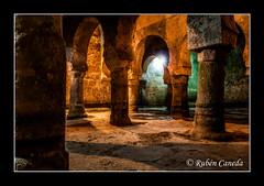 La mezquita olvidada (Rubenuco) Tags: espaa arte ngc 7d mezquita cceres arcos arqueologa aljibe almohade omeya museodecceres casadelasveletas bajomedieval rubncaneda