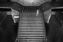(cherco) Tags: blackandwhite man blancoynegro geometric up silhouette stairs composition canon alone geometry frame 5d lonely solitario escaleras subir composicion simetria
