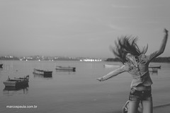 Fun! (marcospaula) Tags: sea portrait people bw beach hair fun jump retrato esession fotograforiodejaneiro