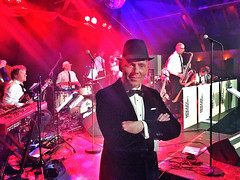 IMG_7202 (Frank In Person) Tags: frank jazz vlissingen bigband sinatra impersonator franksinatra imitator franksinatraimpersonator frankinperson frankinpersonsinatraimpersonator swingingaffairbigband lionslentefeestarsenaalvlissingen
