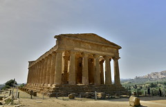 2016-04-17_15-46-43-Nikon D800 (Bernhard Kvaal) Tags: italy valley temples sicily sicilia agrigento