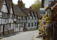 Buildings of Warwick, Warwickshire (Tony Worrall) Tags: county old uk houses homes england blackandwhite architecture buildings kept town nice stream tour open place unitedkingdom timber centre country north central visit location row tourist lane area update quaint past warwick mid warwickshire built attraction halftimbered relic midlands olden rowofhouses ©2016tonyworrall