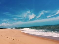 in love (débo-ra) Tags: brazil sky beach brasil sand es espiritosanto vilavelha