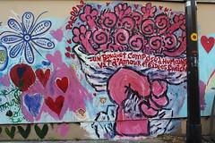 Paella_2976 rue Alibert Paris 10 (meuh1246) Tags: streetart paris main paella paris10 ruealibert