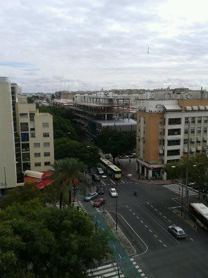 Vista de El Plantinar y La Juncal desde una azotea, Sevilla, España.
