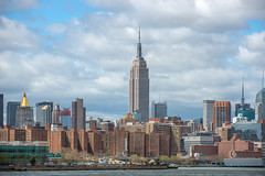 Empire State Building (westrail) Tags: usa ny lens nikon fotograf photographer manhattan eastriver empirestatebuilding nikkor dslr digicam d800 f40 digitalkamera objektiv vri youmademyday omot nweyorkcity af70200 andreasberdan