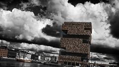 Experimental MAS (Studio Skwit) Tags: panorama photoshop studio photography mas google nikon flickr belgium belgique pussy belgi 1750 steven antwerp tamron antwerpen anvers facebook flanders flandres eilandje vlaanderen twitter tamron1750 d7100 tumblr pinterest nikond7100 skwit studioskwit stevensquidsquid