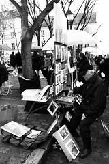 L' Artiste (ugoriccardi) Tags: street travel paris france travelling art canon strada place gente basilica montmartre galerie du souvenir e racconto francia bianco nero viaggio tertre gens parigi basilique artisti artiste visitparis viaggiare paris2016