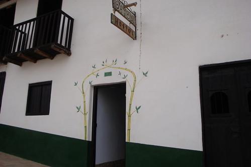 Fachada Hostal Bambu (4)