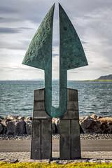 Friendship (jdelrivero) Tags: sculpture costa is iceland arte reykjavik escultura reykjavk fiordo geologia paises hfuborgarsvi