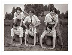 Fashion 0219-46 (Steve Given) Tags: girls fashion fun familyhistory group teenagers teens socialhistory