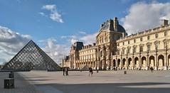 Pyramide du Louvre (Rog01) Tags: paris pyramide lelouvre pyramidedulouvre