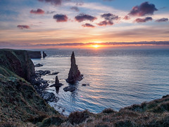 Duncansby Stacks (Highlandscape) Tags: door sea sky cloud sun lighthouse colour sunrise john coast scotland orkney head olympus cliffs highland coastal shore coastline geology knee seashore groats stacks caithness markii pentland johnogroats skerries duncansbyhead duncansby em5 theknee pentlandskerries thirledoor thirle httphighlandscapezenfoliocom olympusem5markii