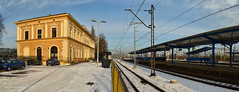 Tarnowskie Gry railway station panorama (ChemiQ81) Tags: city station nikon outdoor poland polska rail railway bahnhof polish stadt polen bahn zentrum centrum gry polonia pologne miasto pkp silesia lsk msto  polsko ndra hlavn  slezsko puola plland lenkija dworzec lengyelorszg lengyel schlesien pollando   poola poljska kolejowy tarnowskie polija pholainn stacja  stanice silezio eleznice tarnowitz     silsie silezija szilzia   d5100 chemiq polanya lengyelorszgban