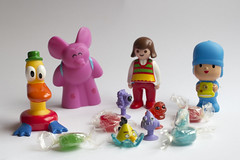 Mis Reyes (Micheo) Tags: toys pato sweets ely click caramelos regalitos pocoyo muequitos