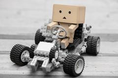 Danbo Kart (IQRemix) Tags: macro canon toy edmonton lego yotsuba danbo legotechnic danbooru racecart jfigure よつばと danboard ダンボ cardbo cardboardboxrobot danboru