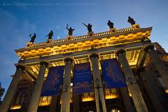 Teatro Jurez [3218] (josefrancisco.salgado) Tags: mxico mexico teatro evening twilight nikon theater guanajuato bluehour nikkor mx crepsculo d4 teatrojurez 1424mmf28g
