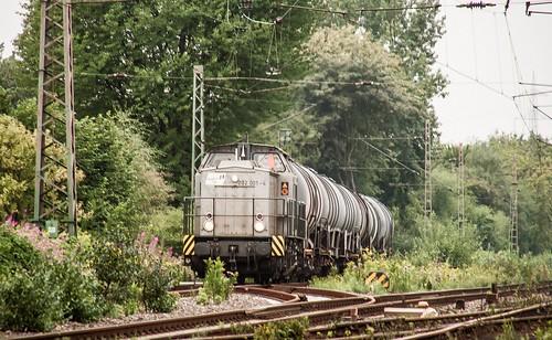15.08.2006 Gelsenkirchen Bismarck. duisport rail 202 001 mit Kesselzug Abz Crange