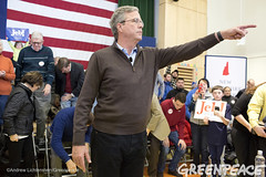 Bush Town Hall Meeting (Greenpeace USA 2015) Tags: usa democracy bush newhampshire concord vote republican democrat keepitintheground